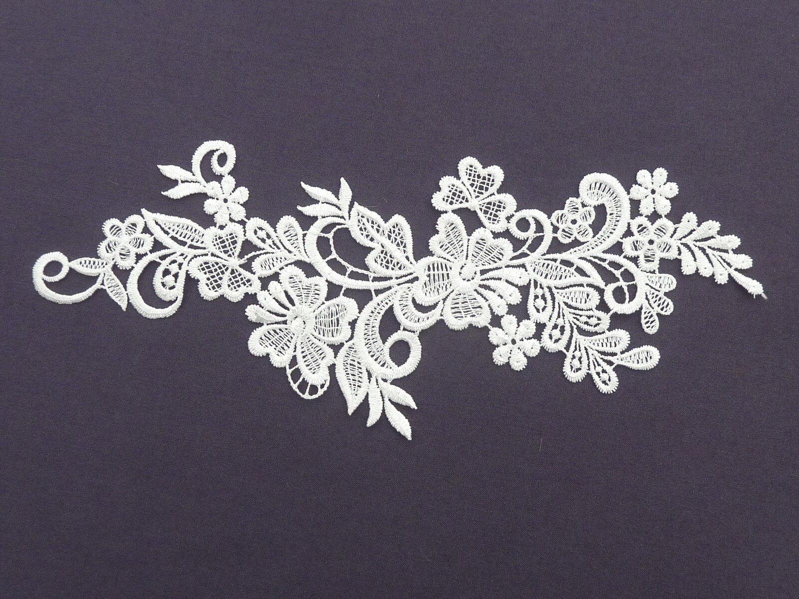23cm by 8cm BEAUTIFUL 2 LARGE FLOWERS GUIPURE / VENISE APPLIQUE IN WHITE ref AP2