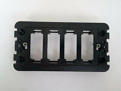 grigio VIMAR 16714 per scatole 4 moduli Supporto 4 moduli con viti