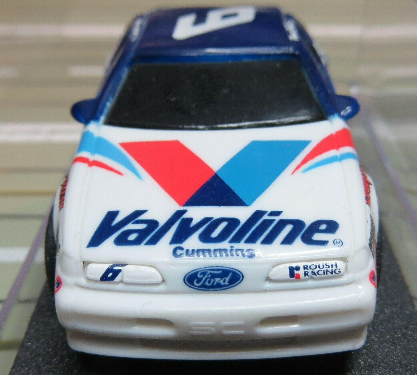 Für H0 SMassecar Racing Modelllbahn --  Nascar No 6  mit Tyco Chassis in Box