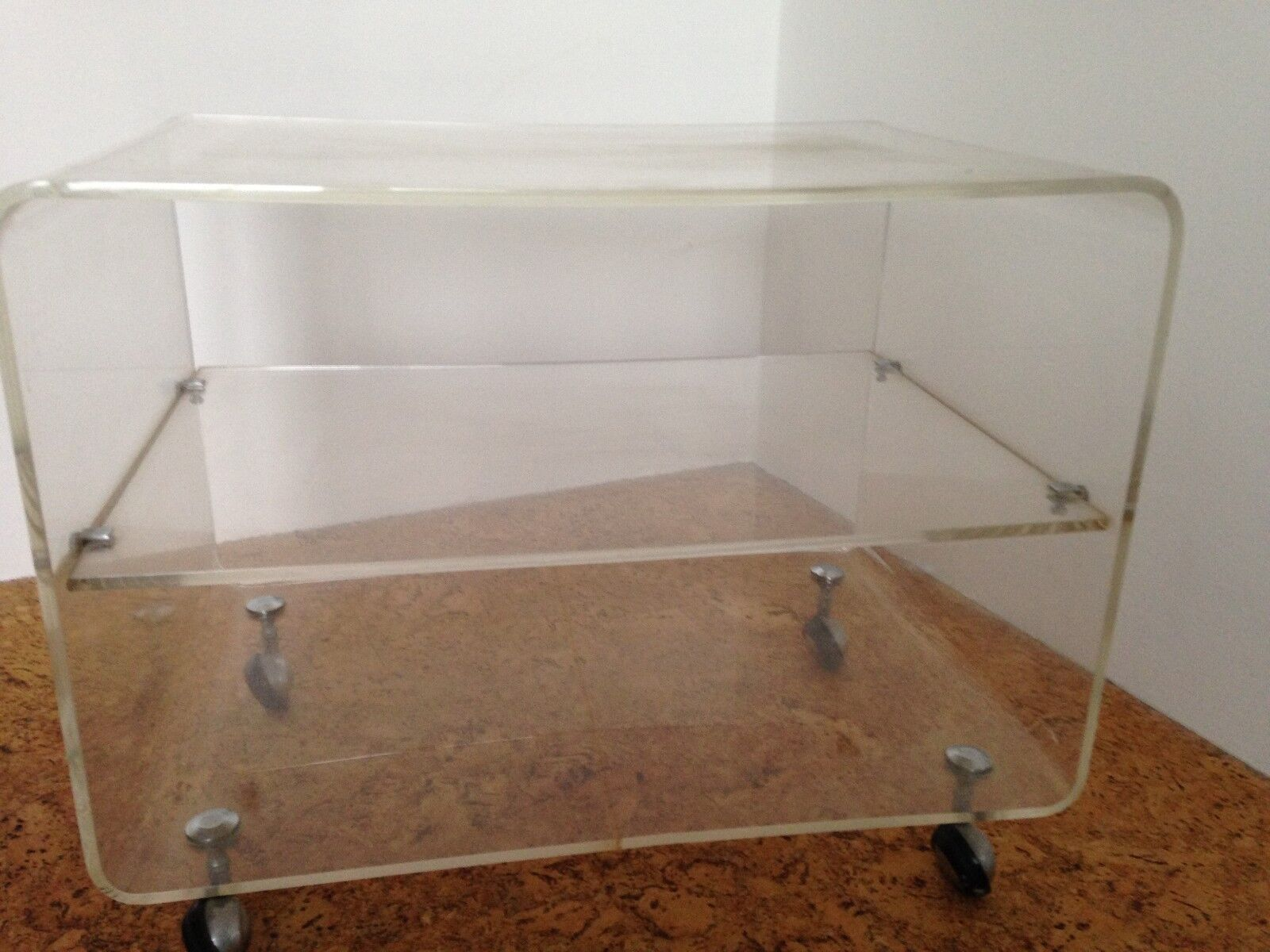 Acrylglas Phono   TV-Wagen aus Acryl mit Rollen