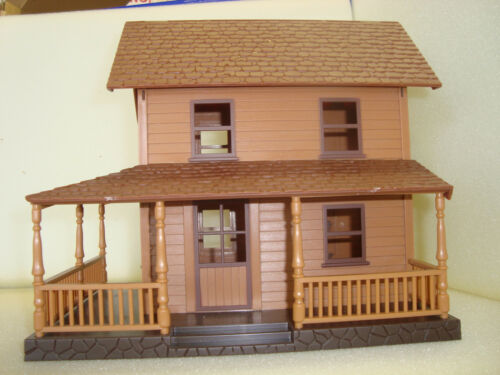 G-SCALE 2 STORY WESTERN STYLE HOUSE WITH 2 PORCHES AND OPENING ROOF ACCESS NEW