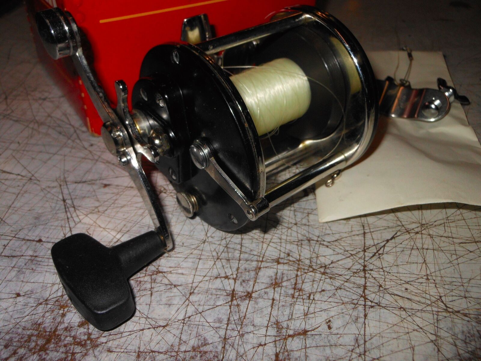 Penn Fishing reel Vintage with the box and instructions