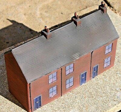 Row Of 3 Front Low Relief Terraced House Oo Gauge 007 Estremamente Efficiente Nel Preservare Il Calore