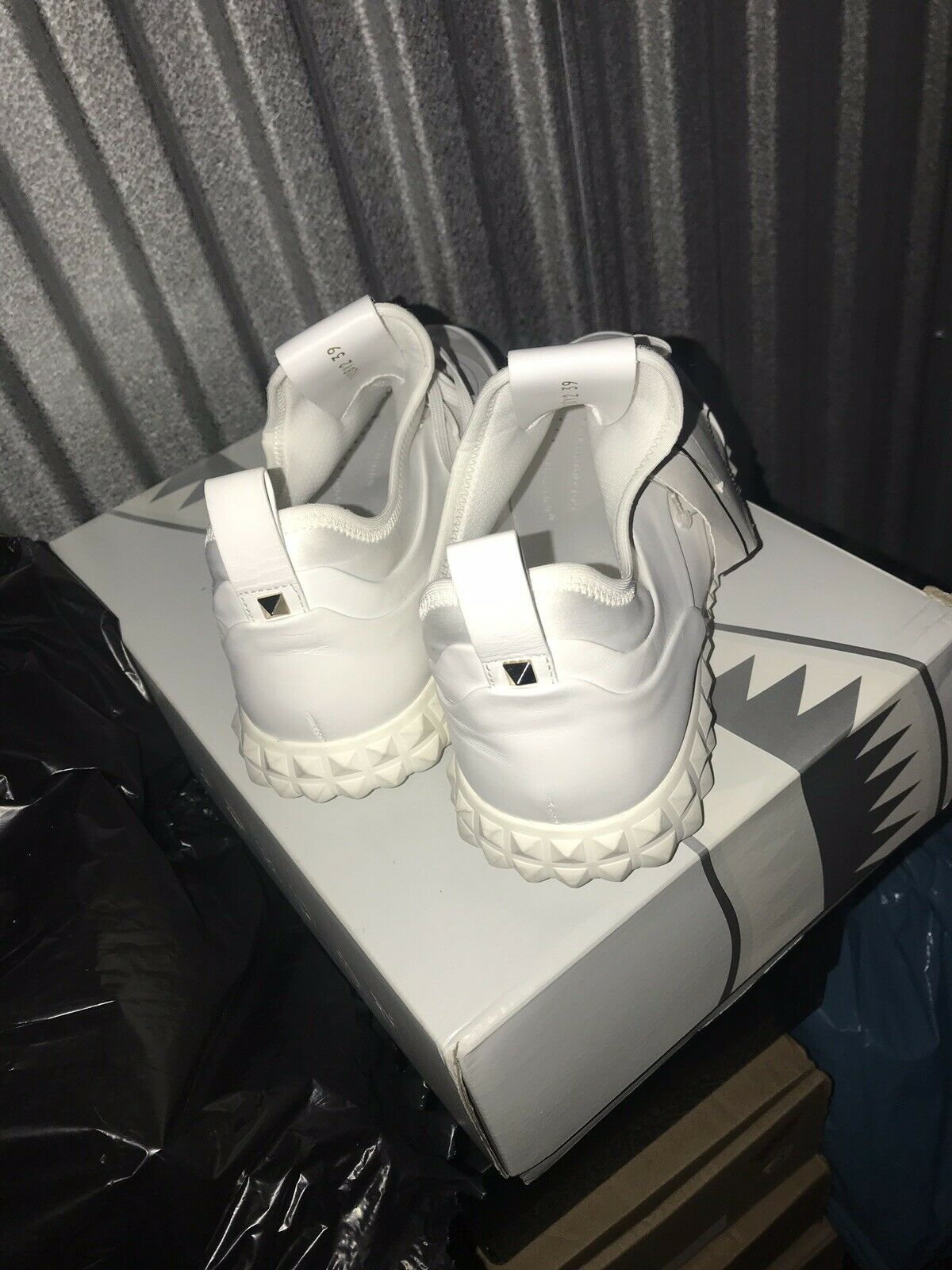 Valentino Garavani bianca Leather Bodytech Men's scarpe Dimensione 39  6 US New No Box