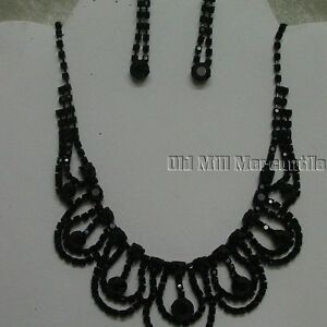 black-Victorian-Vintage-Downton-style-beaded-necklace-with-earrings