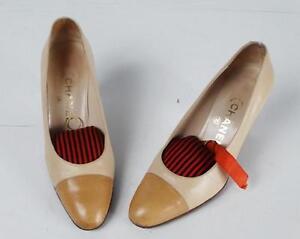 CHANEL-Escarpins-vintage-bicolores-en-cuir-creme-et-chamois-P-37-5