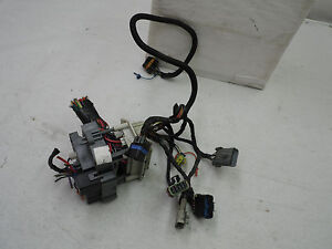 s l300 oem 1999 cadillac escalade body wiring harness assembly, loom  at panicattacktreatment.co