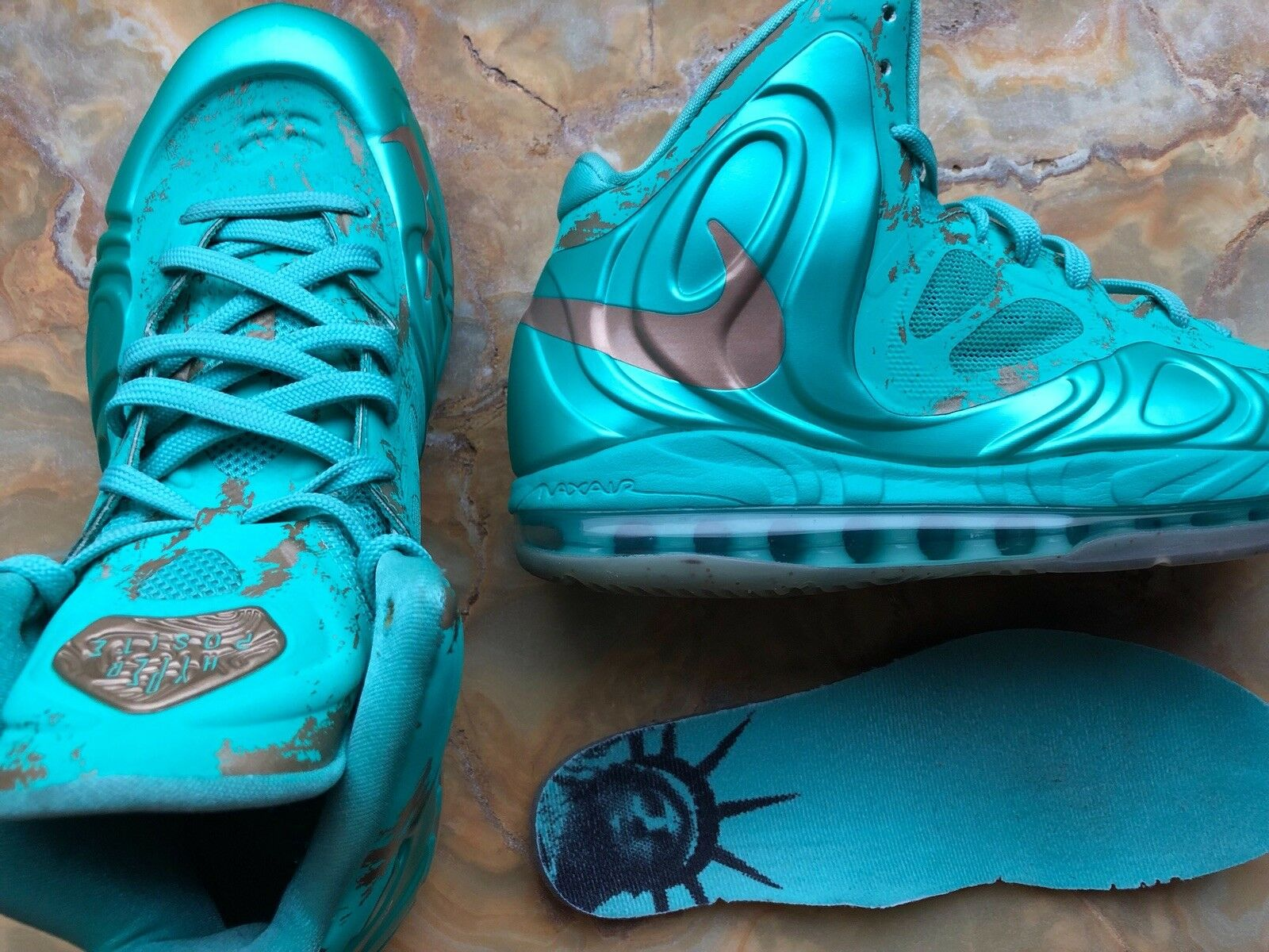 Nike Air Max Hyperposite SZ 8 Statue of Liberty 524862 301  QS Rare release