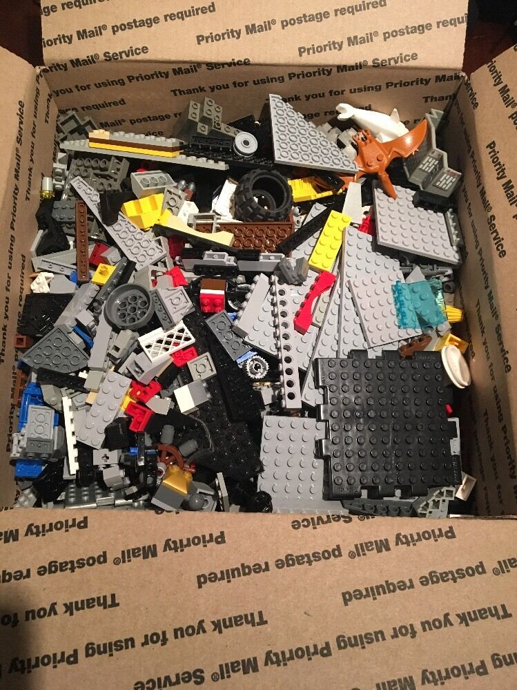 Mixed Legos Lot approx. 5+ lbs lbs lbs HUNDREDS Maybe Thousands of pieces f90373