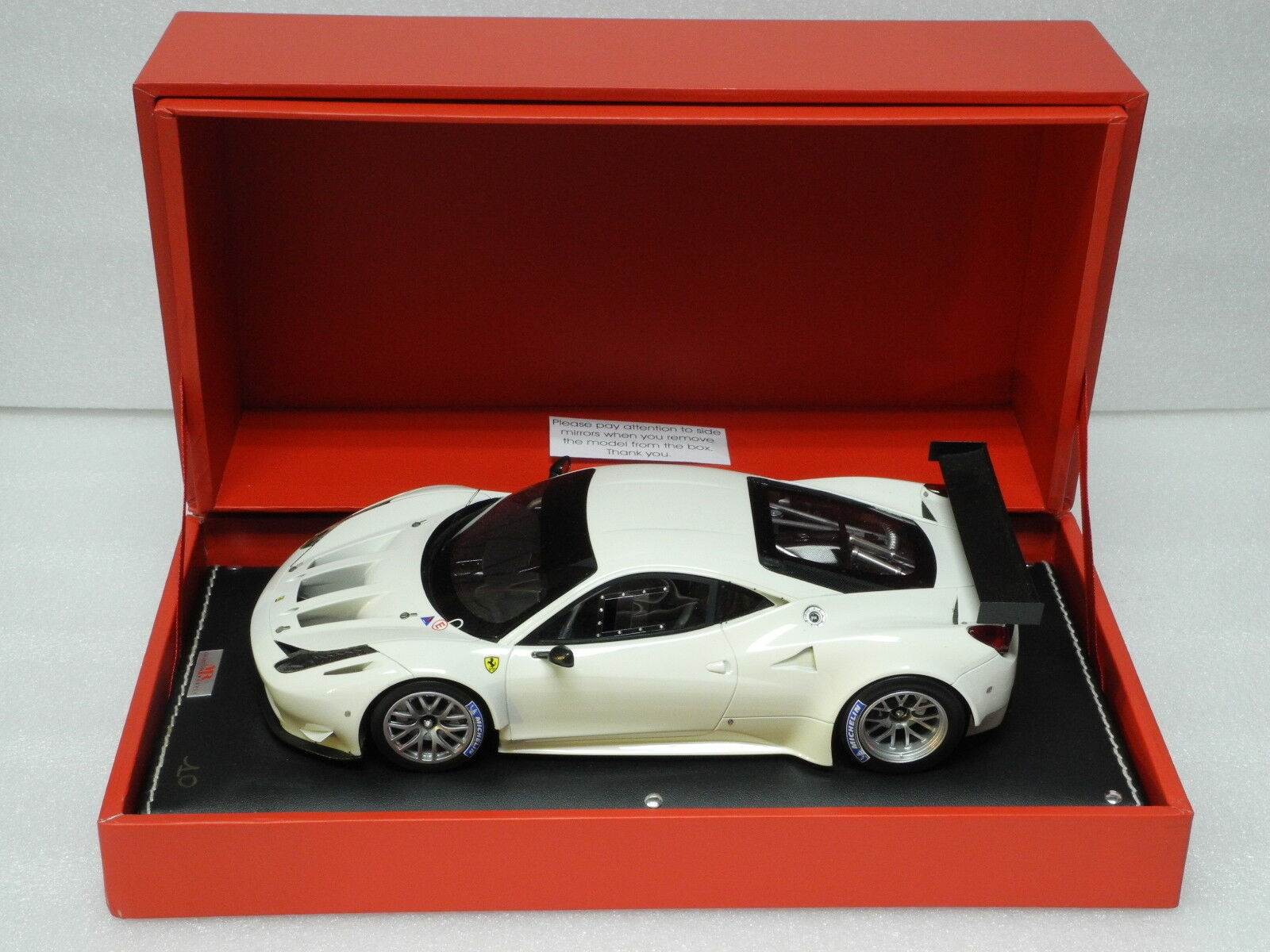 MR Collection 1 18 FERRARI 458 ITALIA GT2 Bianco Avus FE05D