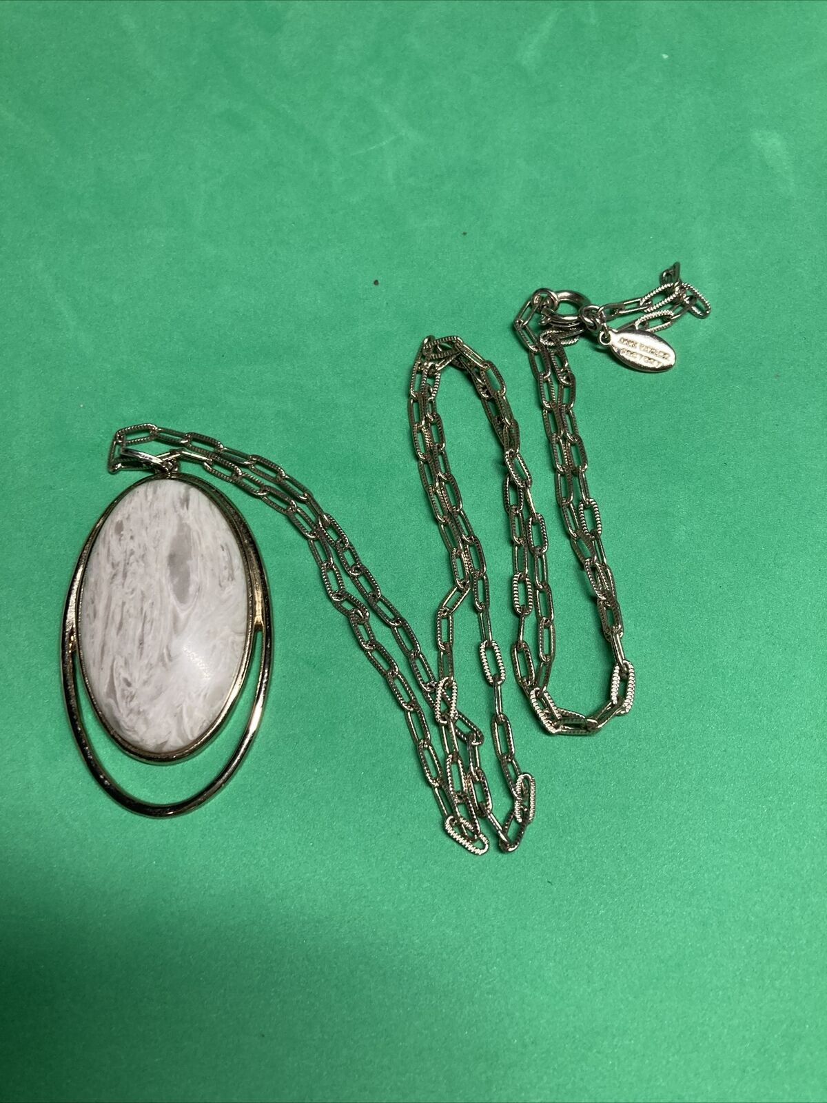 ann taylor factory necklace silver tone 30 long chain B40