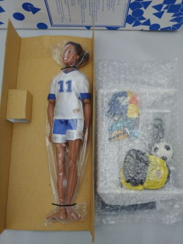 Get Real Girl Gabi/'s Soccer Adventure Avon Doll 2001 Sports Articulated