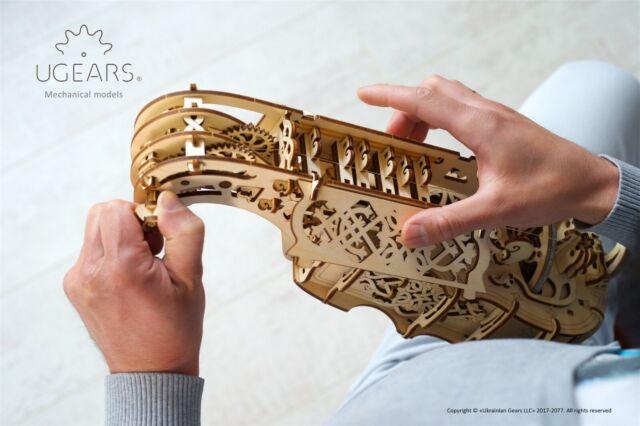 Ugears Hurdy Gurdy Ghironda Modello funzionante da assemblare in legno