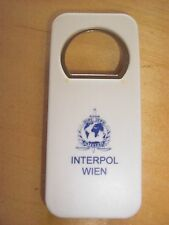 Interpol Wien, Polizei, Österreich, Flaschenöffner, Flaschenverschluss