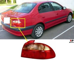 FOR-TOYOTA-AVENSIS-T22-00-03-NEW-REAR-TAIL-LIGHT-LAMP-RIGHT-O-S