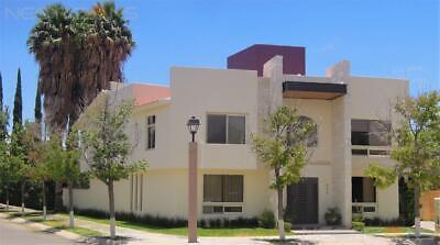 Amplia Casa Residencial en Venta en Fracc Villantigua SLP