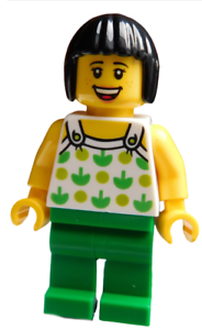 Lego-Frau-Haare-in-schwarz-Beine-gruen-Minifigur-twn350-Legofigur-Figur-Town-Neu