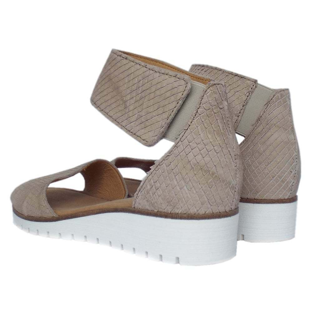GABOR 6.5 - 7 Taupe Embossed Embossed Embossed Leather Ankle Strap wedge Sandals Anthropologie EUC 8060b3