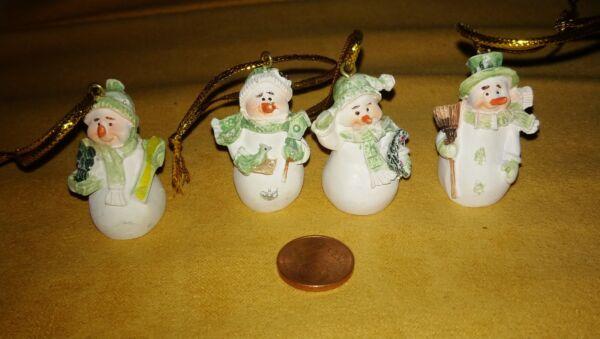 4x Mini Pupazzo Di Neve Personaggio Miniatura Bambole Tube 1:12 Diorama Villaggio Natalizio Decorazione Pulizia Della Cavità Orale.