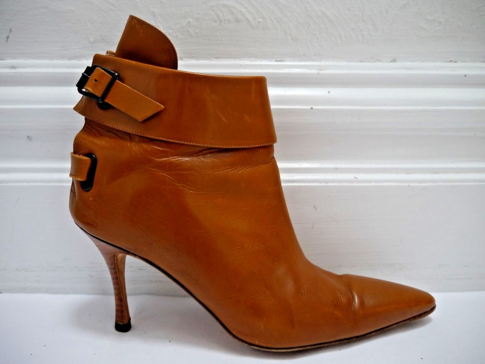 MANOLO BLAHNIK light brown leather back strap detail ankle boots booties size 38