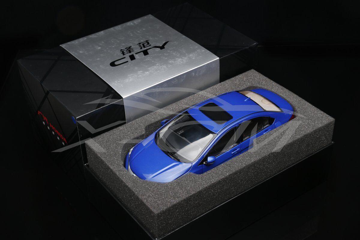 NUOVO Modello Diecast Auto HONDA CITY 1 18 (azul) + REGALO