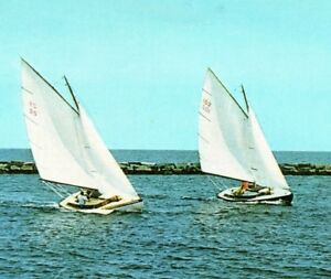 Sailboat-Racing-in-Nantucket-Sound-Hyannis-Port-Cape-Cod-Mass-Vintage-Postcard