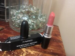 Details About Nib Mac Retro Matte Lipstick Rouge A Levres Runaway Hit