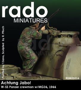 RADO MINIATURES WAFFEN SS PANZER CREWMAN WITH MG34 35014