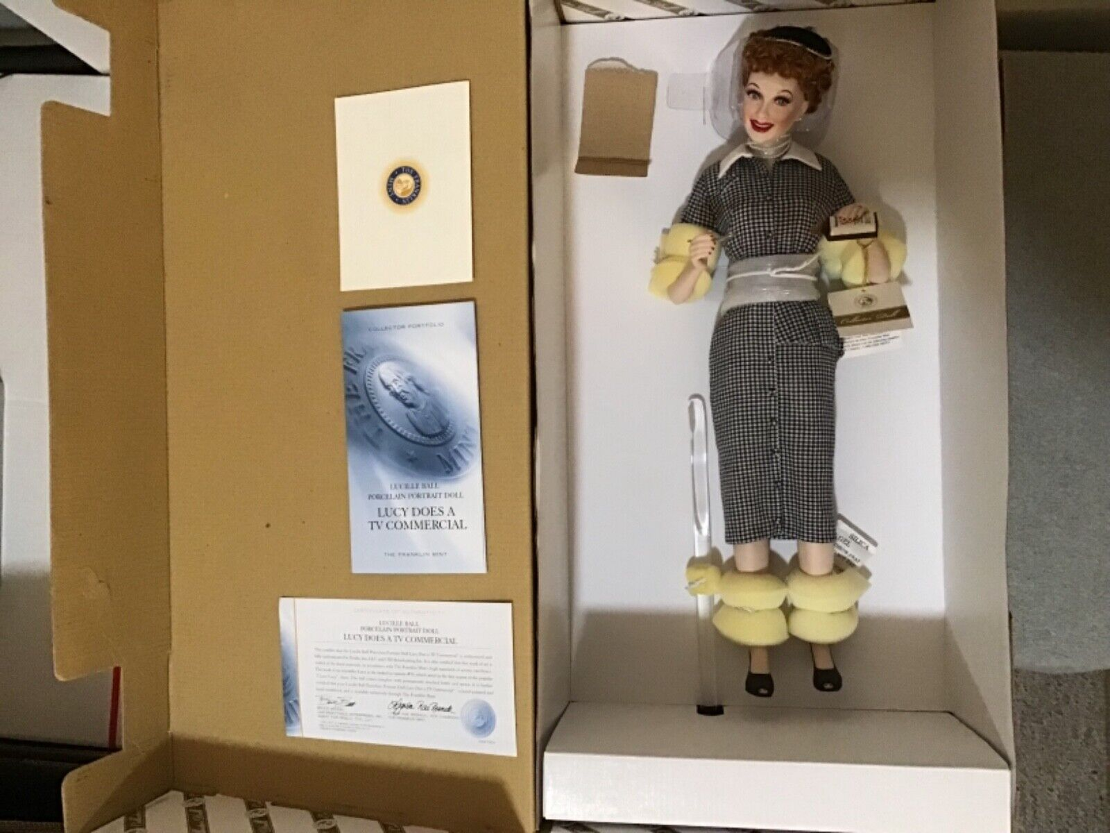 "Franklin Mint 18"" Lucille Ball Lucy Does A TV Commercial Porcelain Doll NIB   BS"
