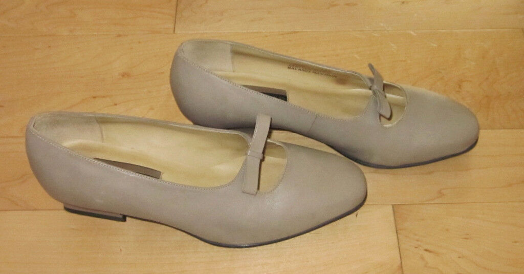 Hush Puppies Wms Taupe Leather Heels 7.5 W