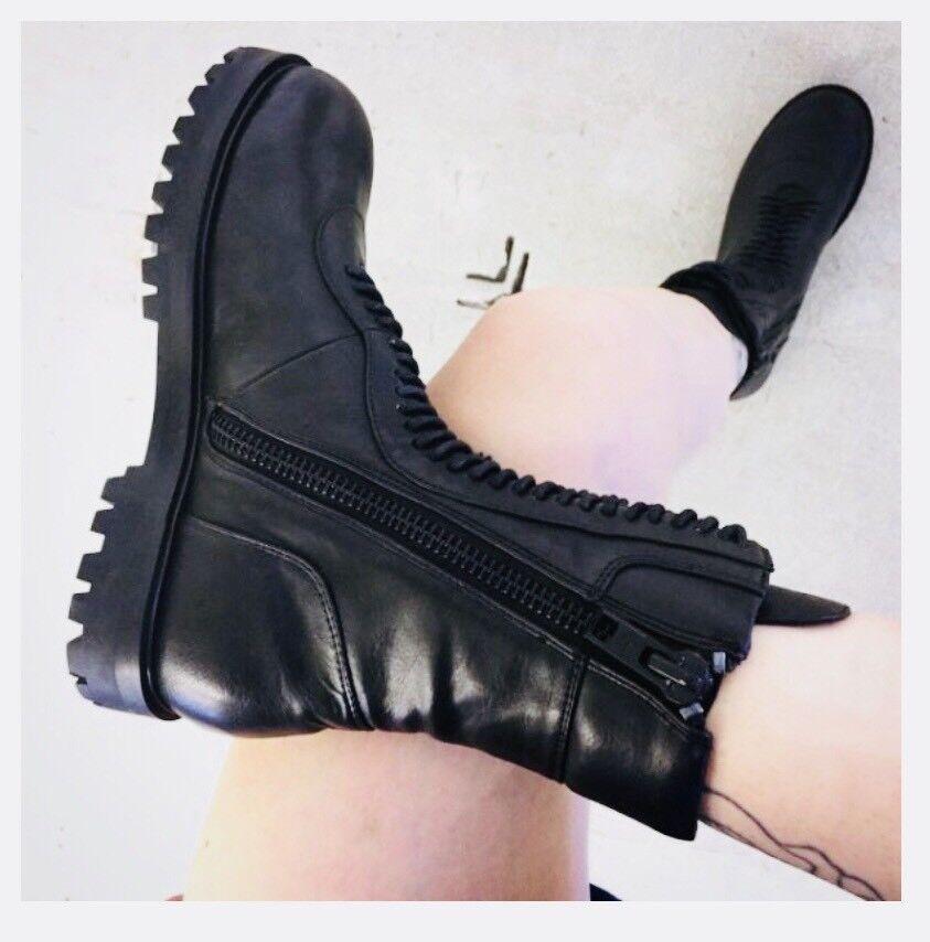 CURRENT MOOD BLACKOUT Stiefel. GOTH PUNK Damenschuhe US US Damenschuhe SIZE 7M-New Without Box 7b9e2c