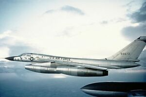 CONVAIR-B-58-HUSTLER-BOMBER-8x12-SILVER-HALIDE-PHOTO-PRINT