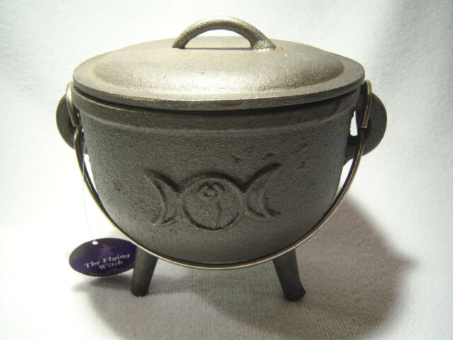LARGE CAST IRON  ' CAULDRON '  -   TRIPLE MOON DESIGN  -   BRAND NEW
