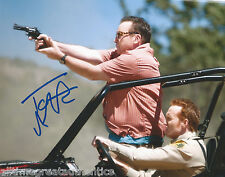 COMEDIAN TOM ARNOLD HAND SIGNED AUTHENTIC 'HIT AND RUN' 8X10 PHOTO w/COA