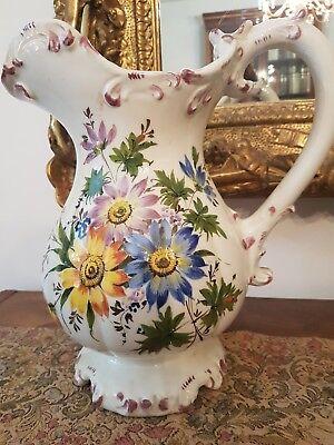 Arredamento, decorazione brocca, caraffa, vaso decorativo