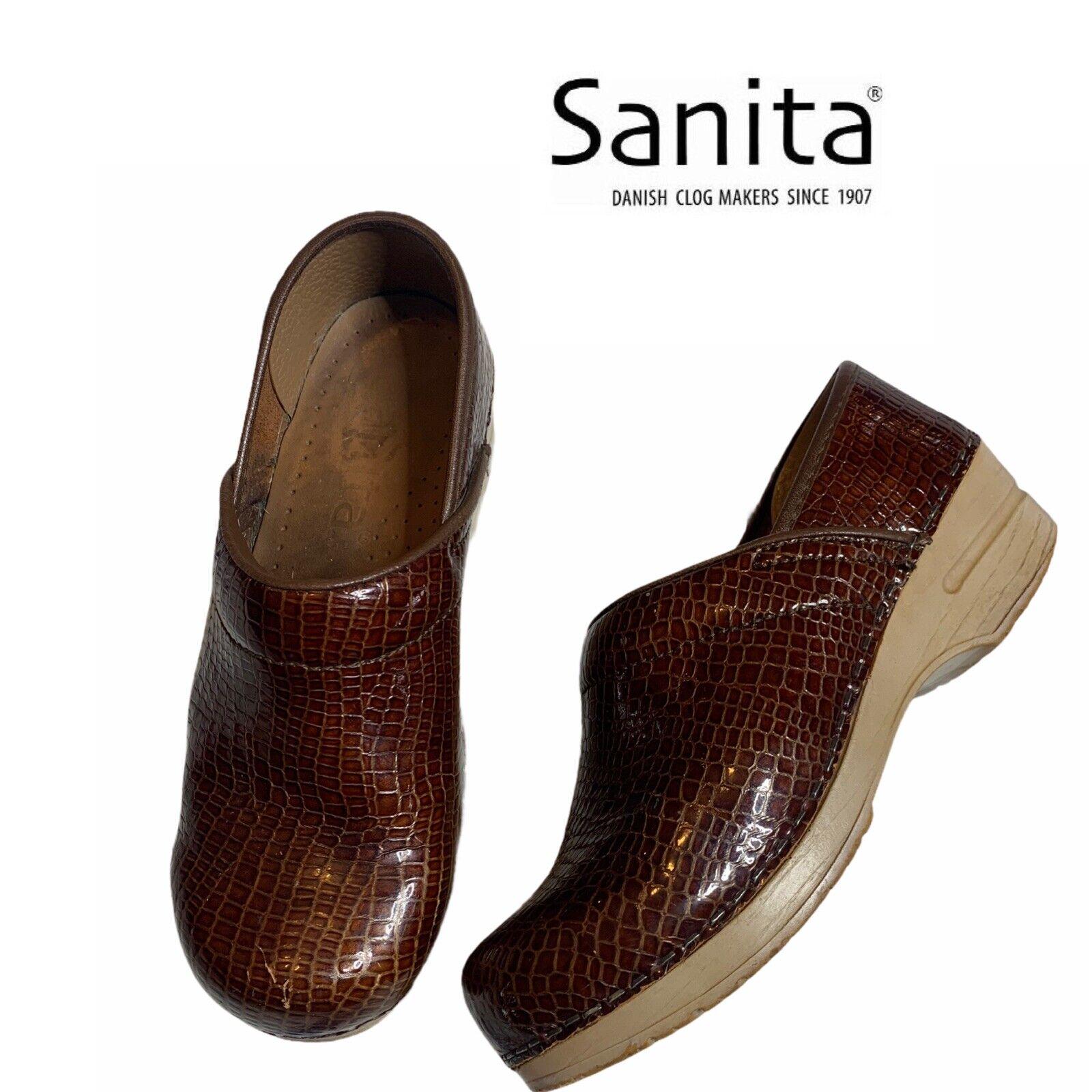 Sanita Clogs Sz 37 US 6.5-7 See Measurements Embossed Reptile Nurse Women Shoes