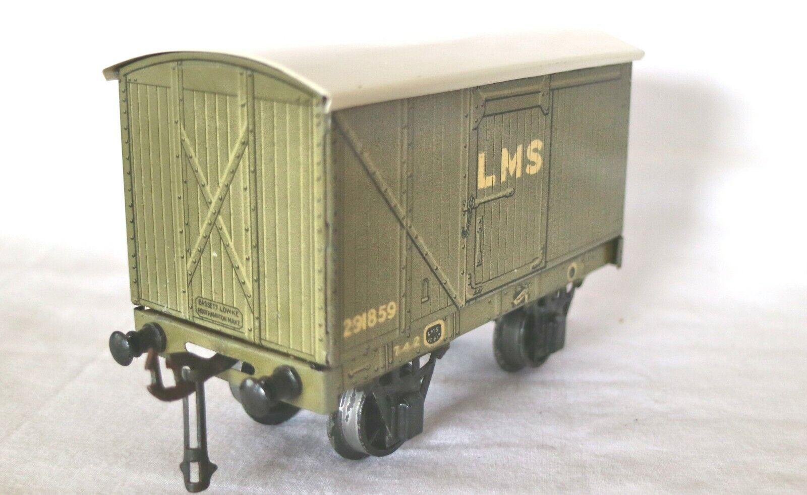 920N  Vintage Bassett Lowke  0 Gauge LMS Brake Van 62306