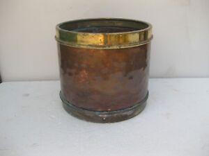 macetero de cobre muy decorativo