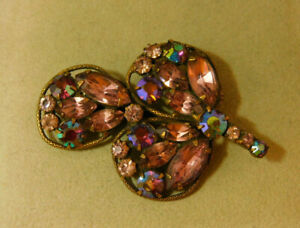 Vintage Silver Tone Round Flower Brooch Pin Purple Lavender AB Rhinestones Stunning!