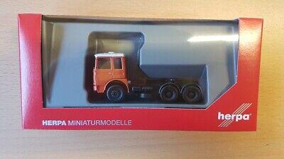 naranja//blanco-nuevo Herpa 310567-002 1//87 Roman diesel 6×2 tractor