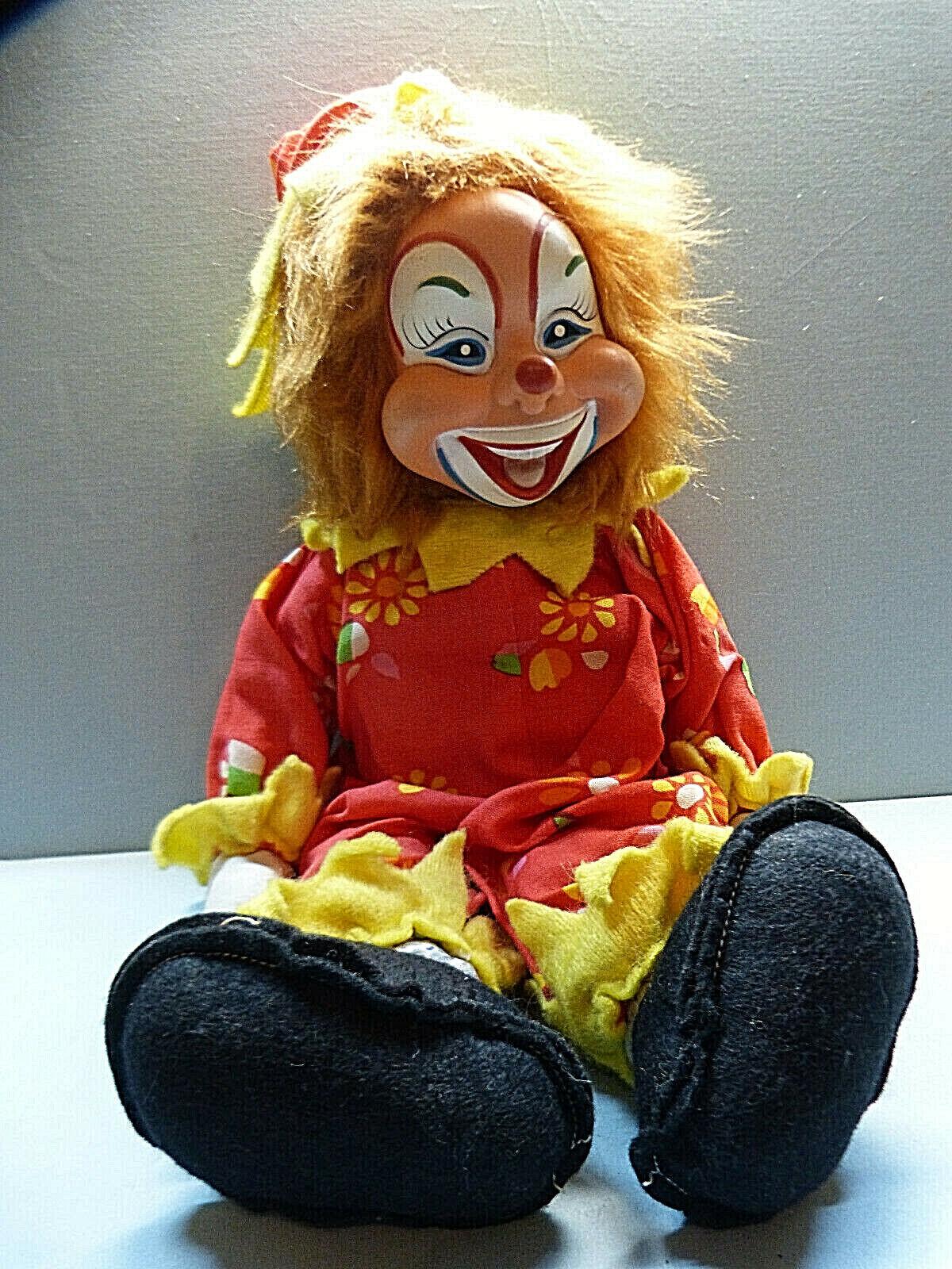 13715. Ältere Clownpuppe  -  bunt angezogen  - - -  42 cm 9555fa