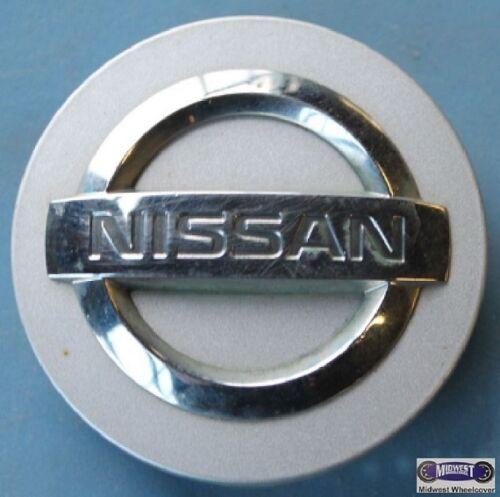 """USED CAP SILVER NISSAN 2-1//8/"""" DIA 62424 /'04-/'06 RAISED CHROME LOGO MAXIMA"""