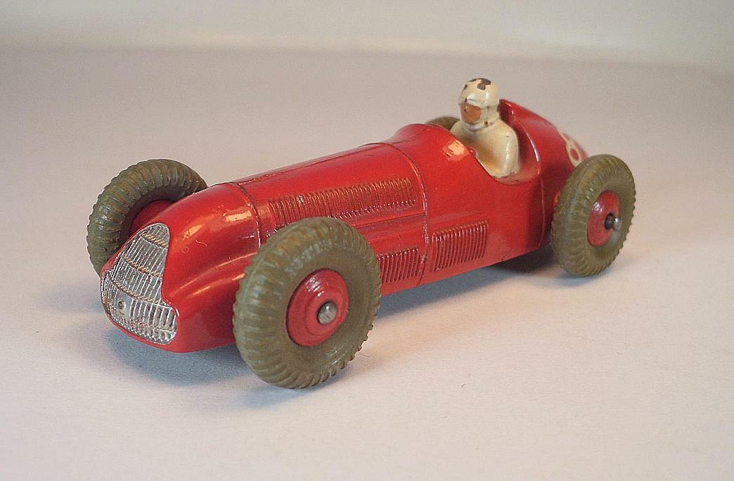Dinky Toys No 23F Alfa Romeo Racing car red no. 8 2  6688
