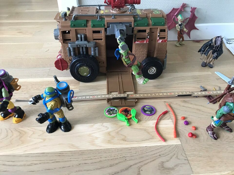 Figurer, Ninja Turtles med div. tilbehør