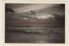 (F2562) Orig. Foto Petten (NL), Sonnenuntergang am Strand 1940er