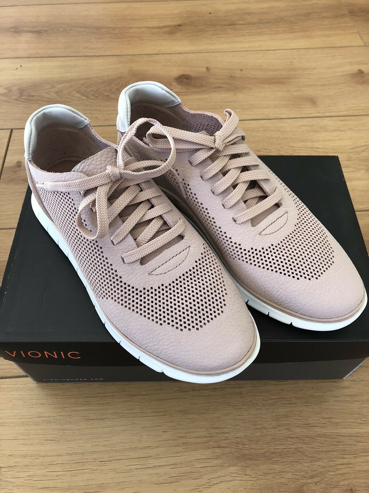 BRAND NEW VIONIC JOEY ladies trainer in dusky rose super soft leather Taille 4 37