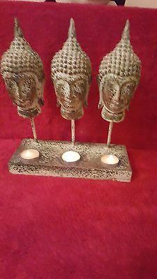 Forte Buddha 3 Tea Light Holder. In Lega Di Metallo. Sostanziale, Accattivanti E Seduce.-