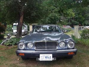 1988 Jaguar XJ12 Vanden Plas