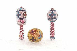 Vintage-Antique-Handmade-Decorated-Playing-Stick-amp-Ball-Set-of-3-Collectible