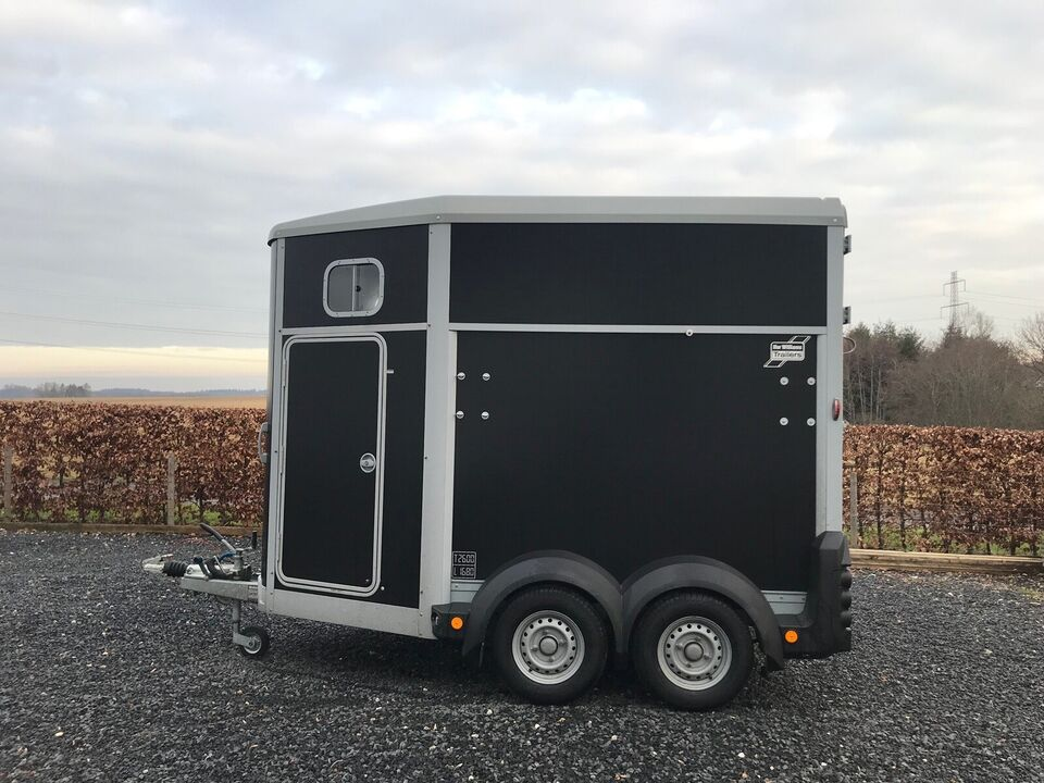 Hestetrailer, Ifor Williams HB506 Premium, lastevne